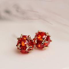 韩国时尚宝红色立体耳钉