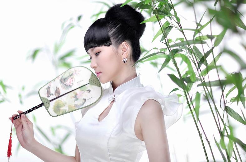 一品兰中国风扇子女式烤漆竹扇日式女扇真丝手绘折扇日用扇子夏季