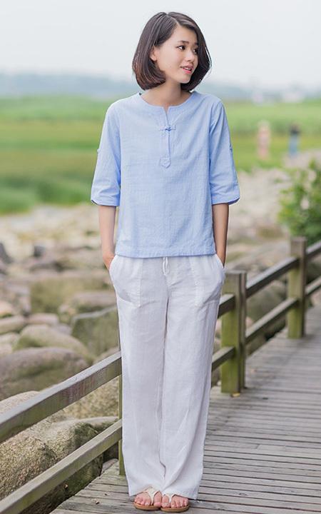 蓝色防晒服怎么搭配裤子?