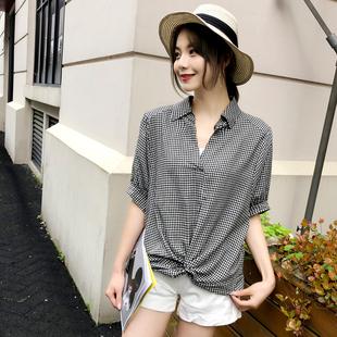 格子衬衫女宽松韩版2019夏季新款五分袖纯棉套头V领衬衣短袖上衣