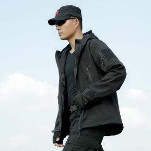 新款冬季情侣迷彩冲锋衣男三合一西藏户外大码加厚防水登山服外套