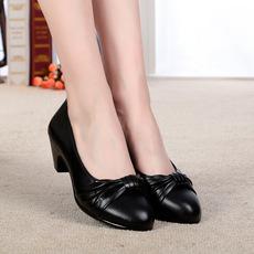 春秋款女鞋单鞋粗跟41大码43中年圆头42浅口40中跟妈妈鞋真皮鞋子
