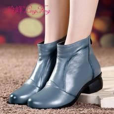 秋季大码女鞋40-43头层牛皮粗跟圆头短靴女41码42低跟妈妈二棉鞋