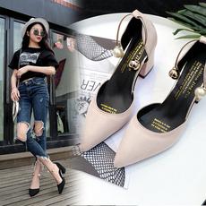 2017夏新款韩版百搭绒面尖头一字扣包头粗跟凉鞋女中空性感高跟鞋