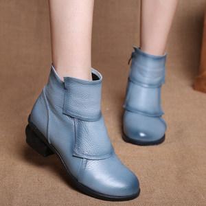 2018新款民族风<span class=H>女靴</span><span class=H>真皮</span>靴中跟粗跟<span class=H>圆头</span>短筒牛皮手工单靴短靴女鞋