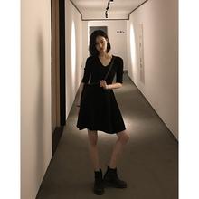 针织连衣裙女套头修身 收腰a字打底裙短款 surblue 18ss黑色v领中袖