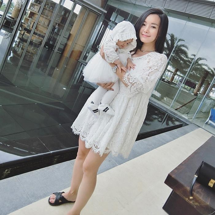 辰辰妈亲子装春装2017韩版白色蕾丝连衣裙母女装宝宝包屁衣送帽子亲子装