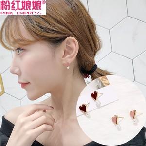 韩国少女爱心形<span class=H>耳钉</span>女设计可爱个性气质复古迷你仿珍珠耳环耳饰品