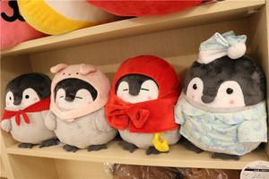 日本正能量企鹅变身系列大<span class=H>摆件</span>毛绒公仔<span class=H>玩偶</span>娃娃兔子小红帽睡衣款