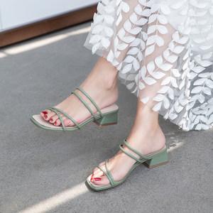 一鞋两穿牛油果绿色<span class=H>凉鞋</span>女2019新款ins潮 粗跟百搭舒适凉拖鞋外穿