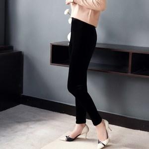 丝绒打底裤女式2017新款外穿秋冬黑色修身显瘦薄绒穿裙子的紧身裤