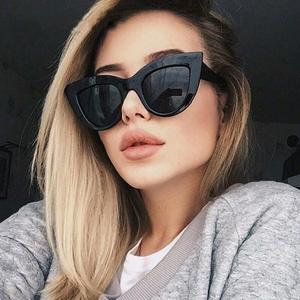 欧美街拍墨镜2018新品复古猫眼太阳镜女潮圆脸百搭凹造型超酷<span class=H>眼镜</span>