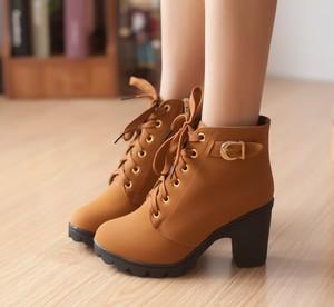 秋冬季加绒短<span class=H>靴子</span>黑色粗跟高跟鞋百搭OL<span class=H>女鞋</span>子韩版马丁靴