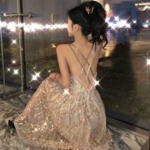 2019夏季新款中长款露背吊带连衣裙V领亮片裙子镂空性感长裙女装