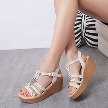 Fashionable Beaded hand-woven open-toed student sandals with high heels and thick soles in Bohemia, Ogato
