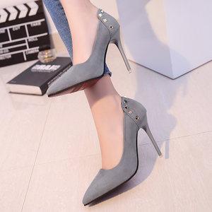 2018欧美10cm裸色尖头<span class=H>高跟鞋</span>女秋季细跟中跟浅口性感黑色绒面单鞋
