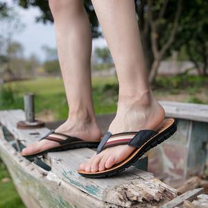 男士<span class=H>人字</span><span class=H>拖</span>夏季<span class=H>男鞋</span><span class=H>拖</span>鞋真皮<span class=H>鞋子</span>凉鞋夏天凉<span class=H>拖</span>潮男休闲英伦沙滩鞋