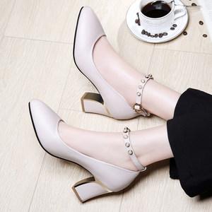 一字扣单鞋女2019春季新款高跟鞋中跟粗跟小皮鞋韩版尖头时尚<span class=H>女鞋</span>