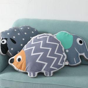毛绒卡通动物午睡枕头<span class=H>抱枕</span>创意大象造型儿童学生沙发午休<span class=H>靠垫</span>靠枕