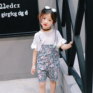 女童套装 2019夏季新款中小童雪纺纯白上衣+碎花吊带<span class=H>短裤</span><span class=H>两件套</span>装
