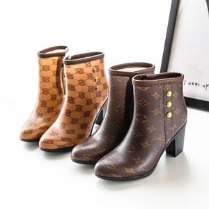 时尚复古<span class=H>雨靴</span>水<span class=H>鞋子</span>女靴子胶鞋套鞋<span class=H>女鞋</span>女士甜美高跟韩版女式<span class=H>雨鞋</span>