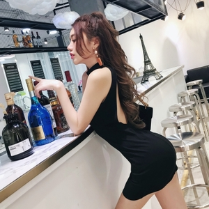 2018夏季新款夜场性感名媛挂脖露背包臀连衣裙短裙显瘦时尚气质女