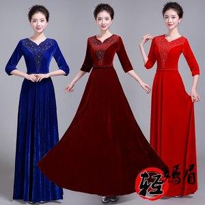 大合唱团<span class=H>演出服</span>女长裙成人金丝绒新款中老年合唱舞台<span class=H>服装</span>主持礼服