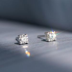 18K白金<span class=H>钻石</span>耳钉女真<span class=H>钻石</span>正品0.1克拉10分铂金四爪单只男简约耳骨
