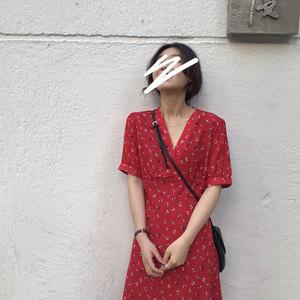 HEYGIRL黑哥 V领显瘦碎花连衣裙女 复古浪漫红色韩版<span class=H>长裙</span>2019夏季
