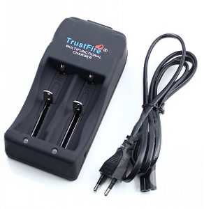 TrustFire<span class=H>神火</span>26650<span class=H>充电器</span>TR006锂电池双槽4.2V大电流输出2A车充