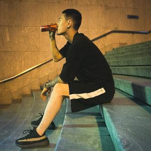 2019新款夏装男士运动休闲裤短时尚青春潮流修身宽松印花舒适两色