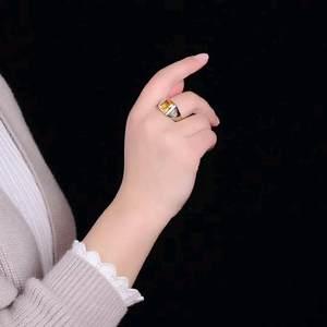 戌美极美黄水晶戒指,切工,,<span class=H>戒面</span>超赞,爆满火彩,主石尺寸920