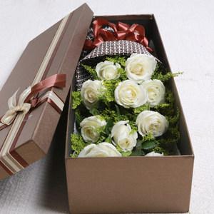 33朵红玫瑰花束礼盒新疆吐鲁番市阿克苏市蛋糕<span class=H>鲜花</span>速递同城花店送