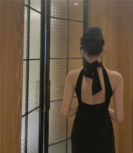 Nostalgic如故  削肩挂脖系带露背礼服中长款<span class=H>开衩</span>小黑裙连衣裙