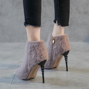 韩版冬季2018新款性感毛毛短靴女细跟高跟马丁靴尖头裸靴显瘦<span class=H>女靴</span>