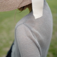 Short-sleeved knitted linen cardigan with light and light sunshine and slim five-minute sleeves