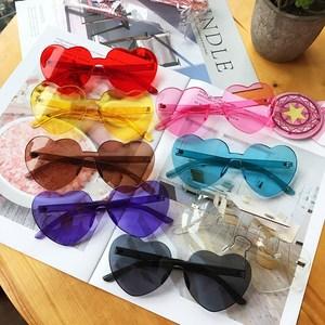 夏季爱心<span class=H>墨镜</span>复古简约原宿日系少女学生原宿桃心时尚透明太阳眼镜